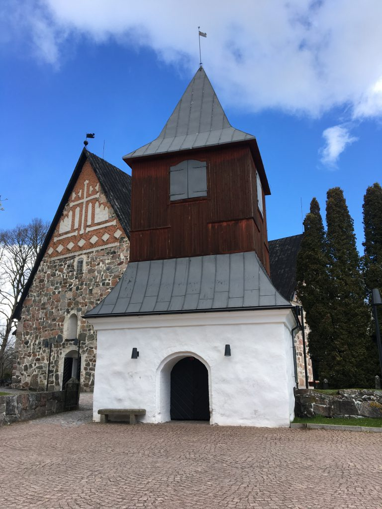 Kirkot ja kappelit